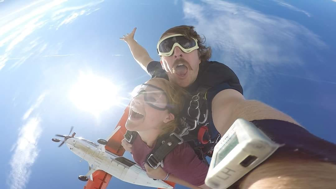 tandem skydiving pictures taken near st petersburg georgia
